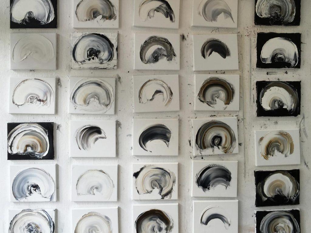 Im Atelier, die Serie »Urformen«